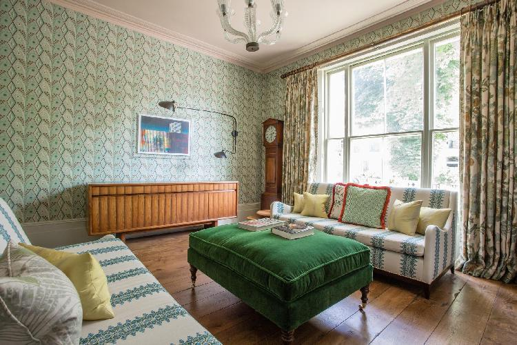 lovely London Gloucester Crescent III luxury apartment and vacation rental