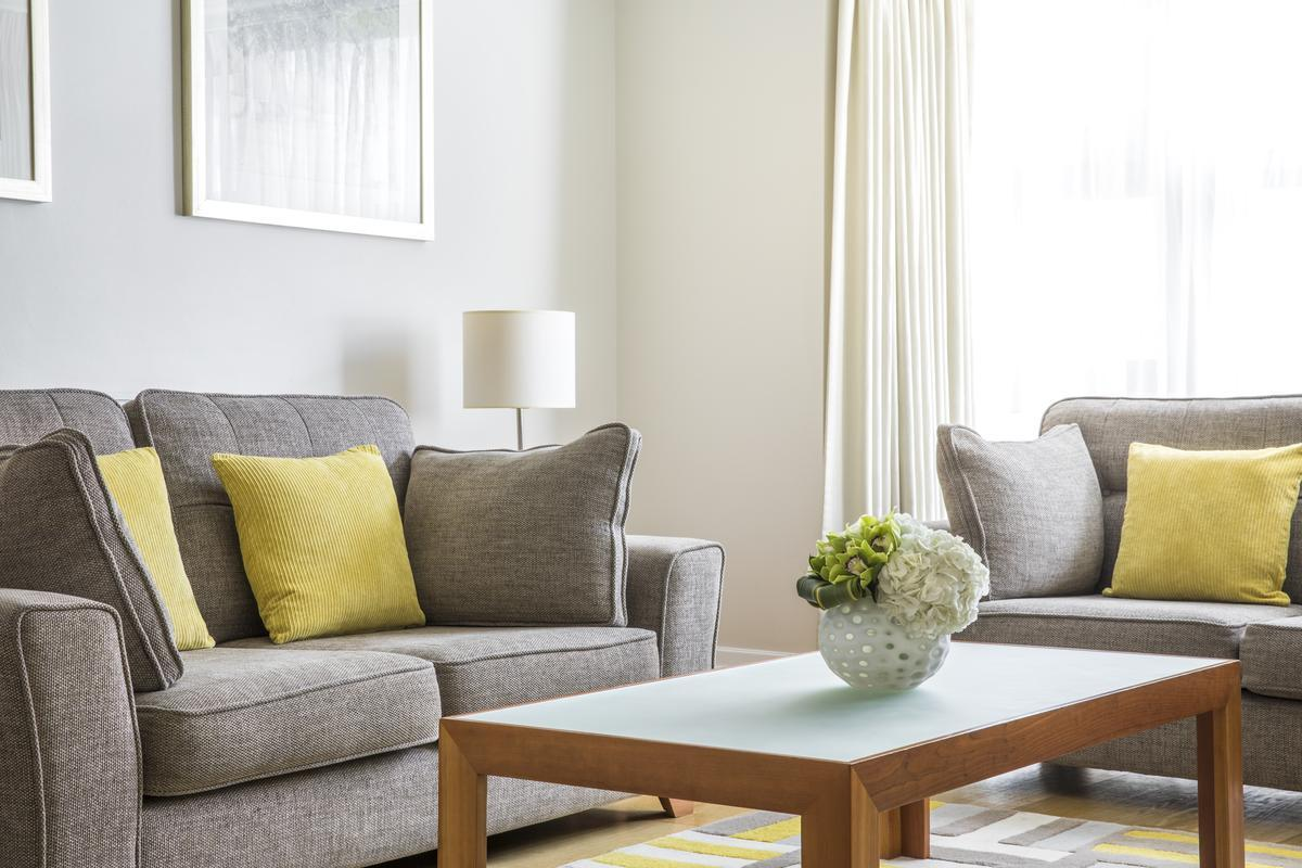 sunny and airy London Brick Street luxury apartment and holiday home