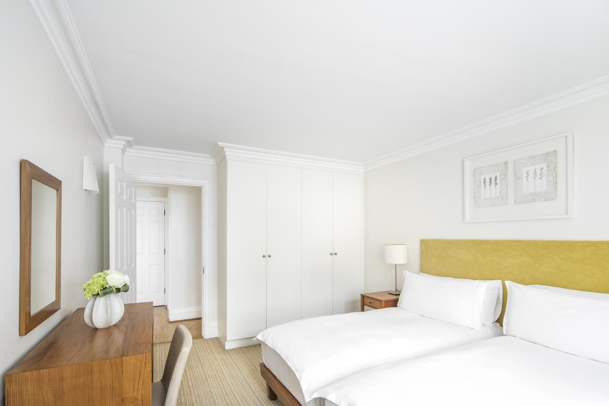 chic and cheery London Brick Street luxury apartment and vacation rental