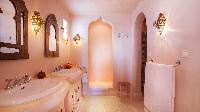 clean bathroom in Saint Barth Villa Mauresque luxury holiday home, vacation rental