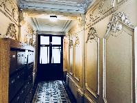 elegant hallway of Saint Germain des pres - Abbé Grégoire luxury apartment