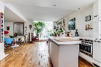 luminous and spacious 2-bedroom Paris luxury apartment