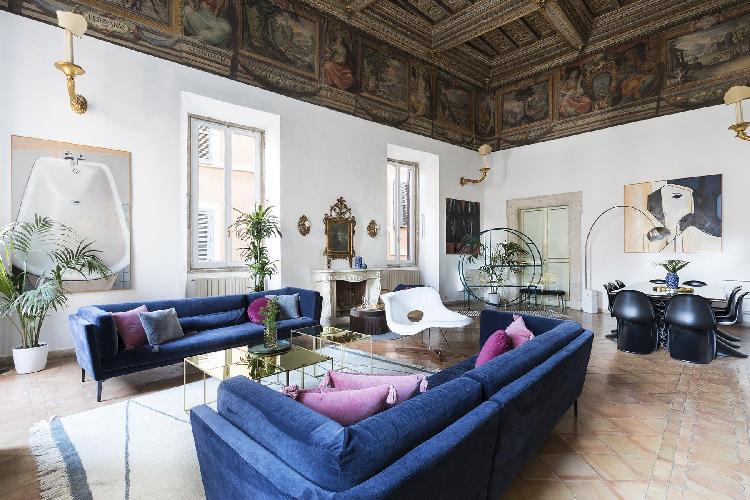 elegant ROM - Piazza Mattei Rome luxury apartment