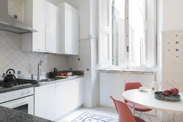 cool modern kitchen of ROM - Piazza Mattei Rome luxury apartment