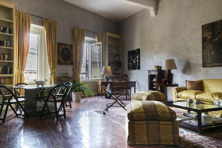 awesome open-plan living room of Rome - Piazza Margana luxury apartment