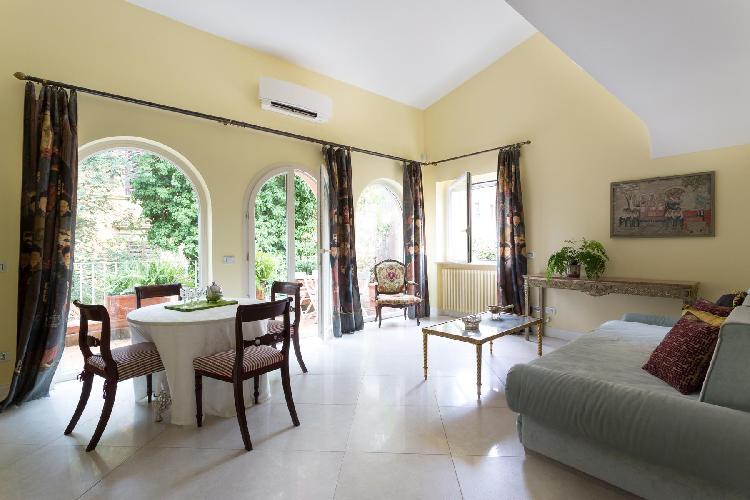 beautiful Rome - Via Dei Tre Orologi luxury apartment and holiday home