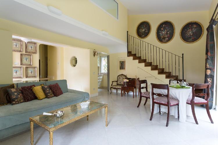 charming living room of Rome - Via Dei Tre Orologi luxury apartment