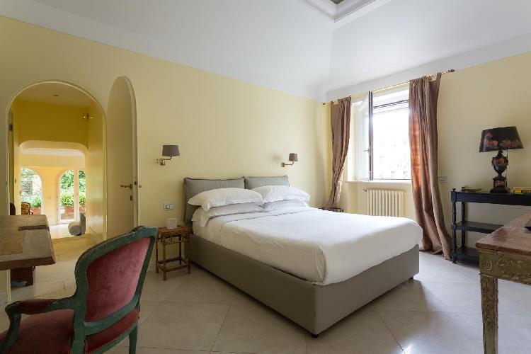 lovely bedroom of Rome - Via Dei Tre Orologi luxury apartment