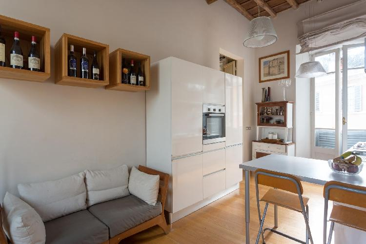 generous windows of Rome - Piazza Costaguti luxury apartment