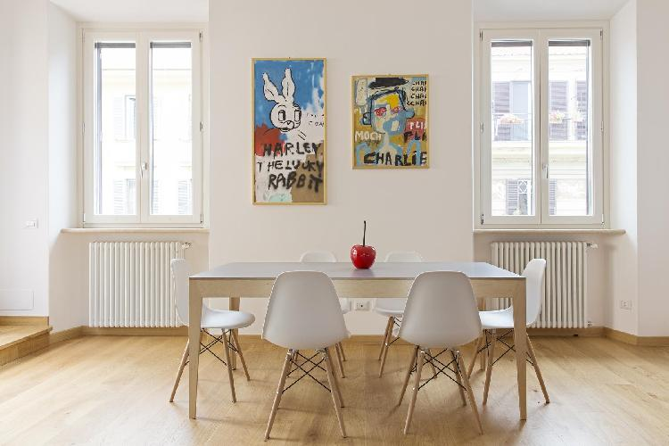 delightful dining area in Rome - Via Stefano Porcari luxury apartment
