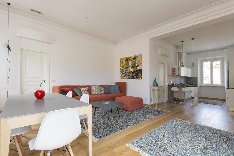 delightful sitting area in Rome - Via Stefano Porcari luxury apartment