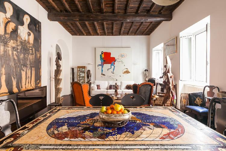 charming and chic Rome - Via Delle Tre Cannelle luxury apartment