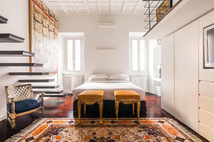 sunny and airy Rome - Via Delle Tre Cannelle luxury apartment
