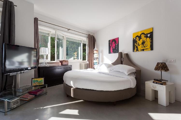 awesome bedroom of Rome - Via Alessandro Torlonia luxury apartment