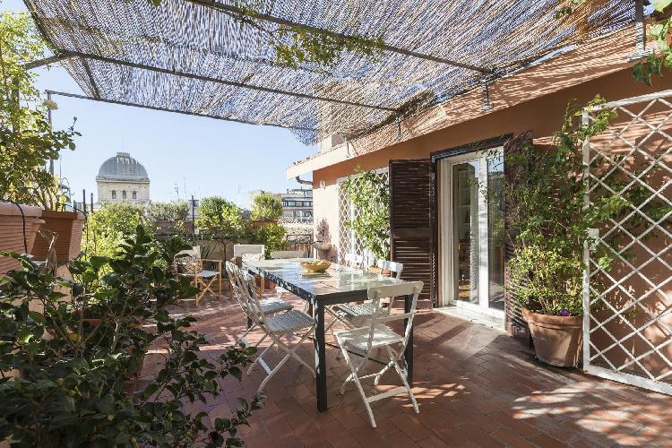awesome roof garden terrace of Rome - Via dei Falegnami luxury apartment