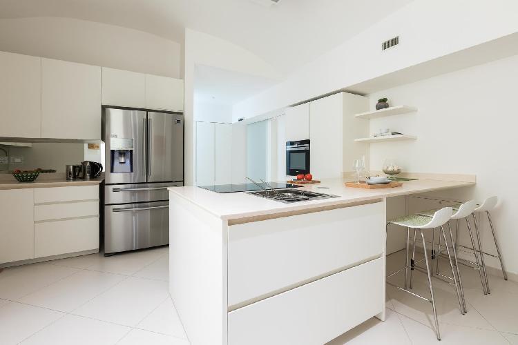 neat kitchen of Navona-Pantheon-Venezia - Via degli Orsini luxury apartment