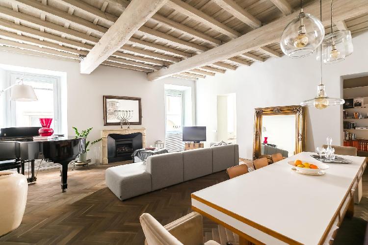 charming Navona-Pantheon-Venezia - Via Capo di Ferro luxury apartment and holiday home