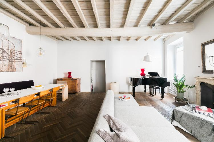 delightful living room of Navona-Pantheon-Venezia - Via Capo di Ferro luxury apartment