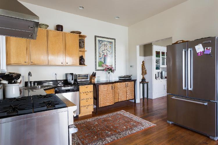 modern kitchen appliances in San Francisco Golden Gate Park Retreat luxury vacation rental
