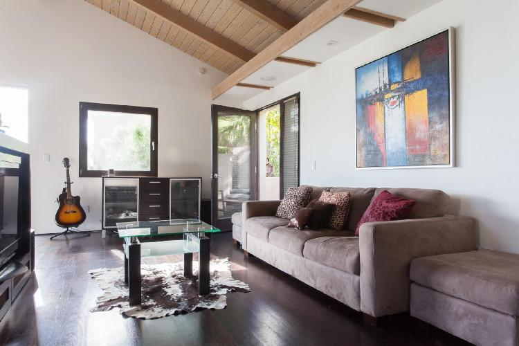 amazing Los Angeles Franklin Avenue luxury vacation rental