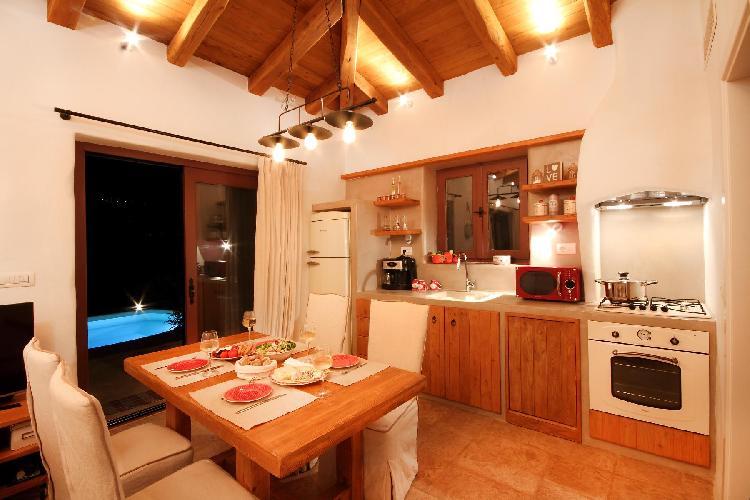 fully furnished Lefkas Amapola Villa Phos luxury holiday home, vacation rental