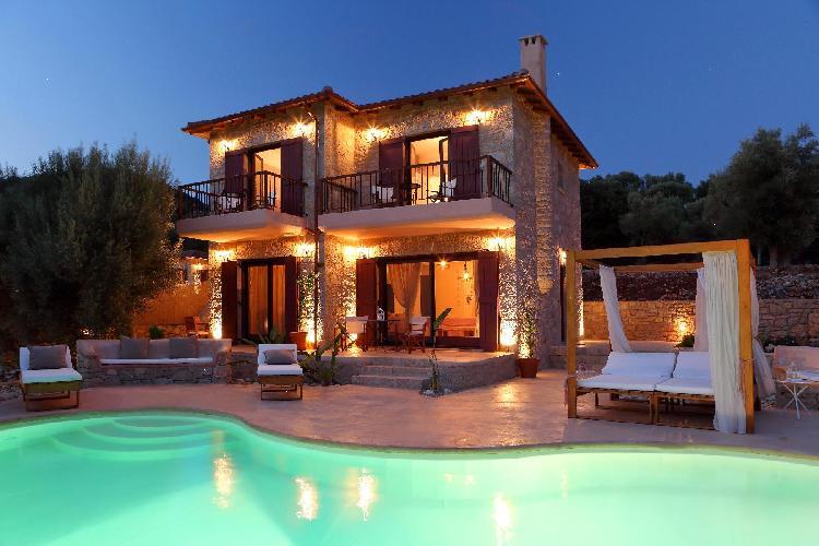 perfect Lefkas Amapola Villa Agapi luxury holiday home, vacation rental