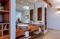 fabulous bathroom in Saint Barth Villa Acamar luxury holiday home, vacation rental