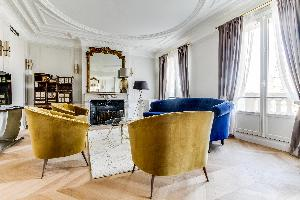 fully furnished Notre Dame - Fleurs luxury apartment