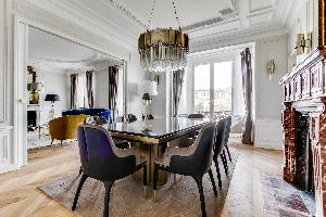 bright and breezy Notre Dame - Fleurs luxury apartment