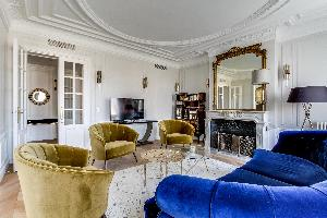 awesome sitting room of Notre Dame - Fleurs luxury apartment