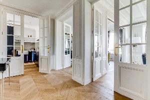 airy and sunny Notre Dame - Fleurs luxury apartment