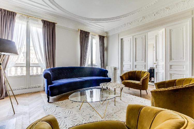 splendid living room of Notre Dame - Fleurs luxury apartment
