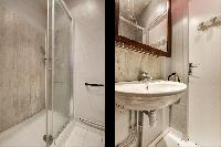 nice and neat bathroom in Port Royal - Les Gobelins luxury apartment