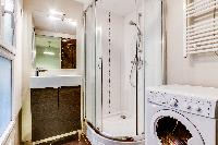 cool shower area in Montorgeuil - Argout luxury apartment