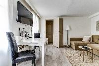 nice dining area of Montorgeuil - Argout luxury apartment