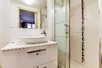neat and trim lavatory of Montorgeuil - Argout luxury apartment