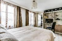 adorable bedroom of Montorgeuil - Argout luxury apartment