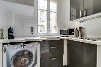 nice kitchen appliances in Beaugrenelle - Saint Charles luxury apartment