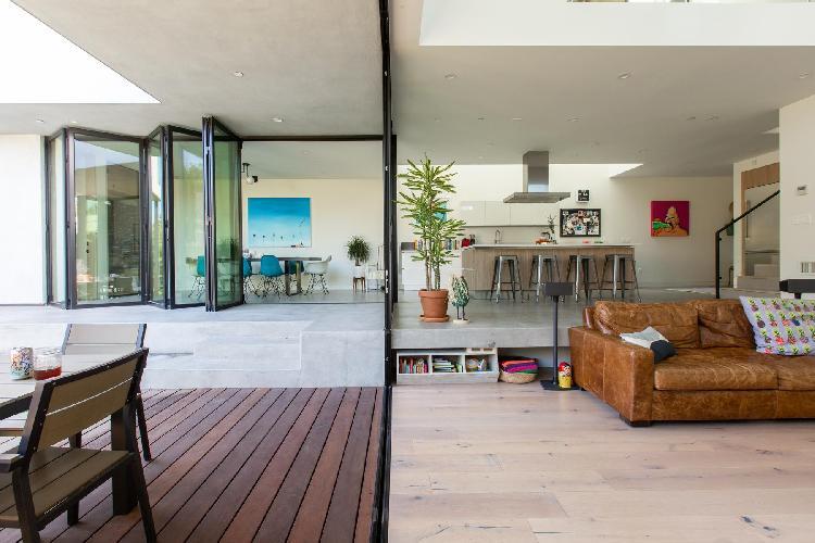 spacious Santa Monica Highland Avenue luxury vacation rental