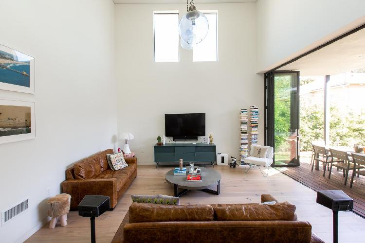 well-appointed Santa Monica Highland Avenue luxury vacation rental