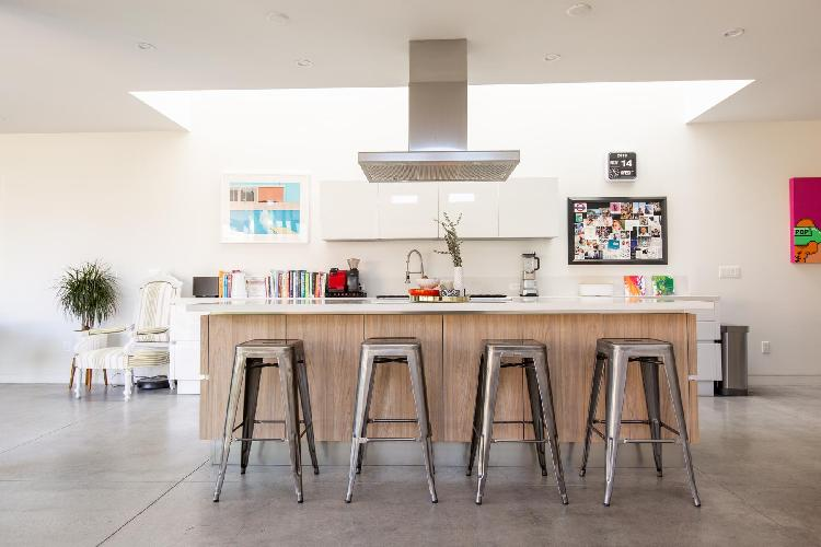 fully furnished Santa Monica Highland Avenue luxury vacation rental