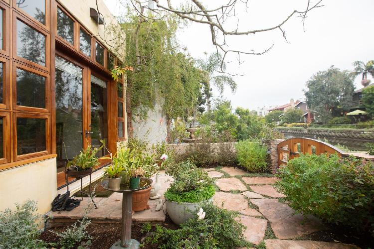 awesome garden of Venice Sherman Canal II luxury vacation rental