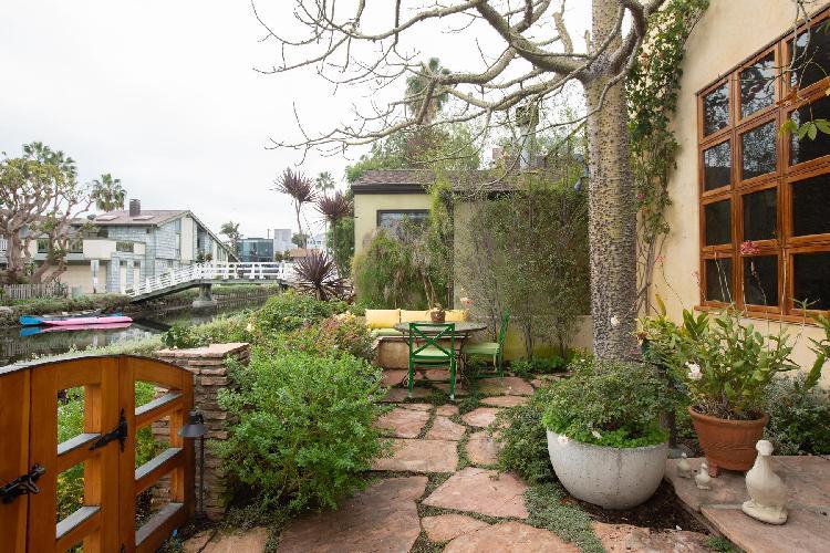 amazing garden of Venice Sherman Canal II luxury vacation rental