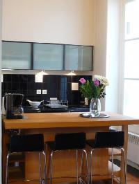 nice dining area in Saint Louis Island III luxury apartment
