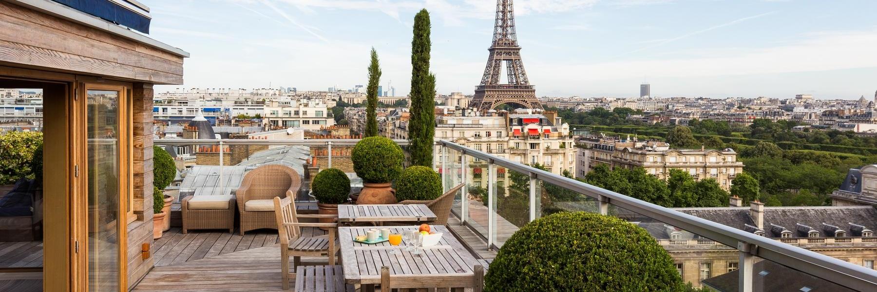 Eiffel Tower - Avenue de la Motte-Picquet