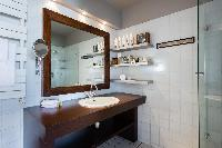 cool lavatory of Eiffel Tower - Avenue de la Motte-Picquet luxury apartment