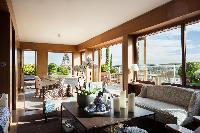breezy and bright Eiffel Tower - Avenue de la Motte-Picquet luxury apartment