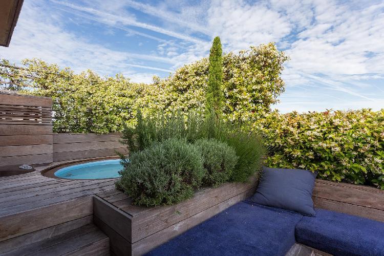 splendid roof garden of Eiffel Tower - Avenue de la Motte-Picquet luxury apartment