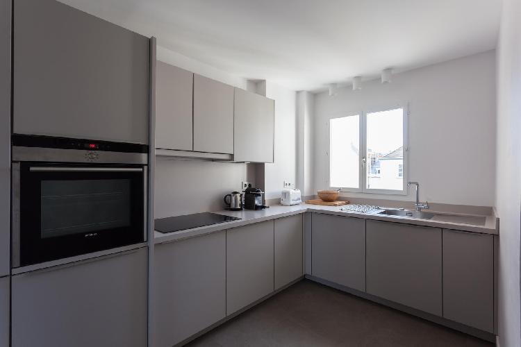 fully furnished Quartier Latin - Quai de la Tournelle II luxury apartment
