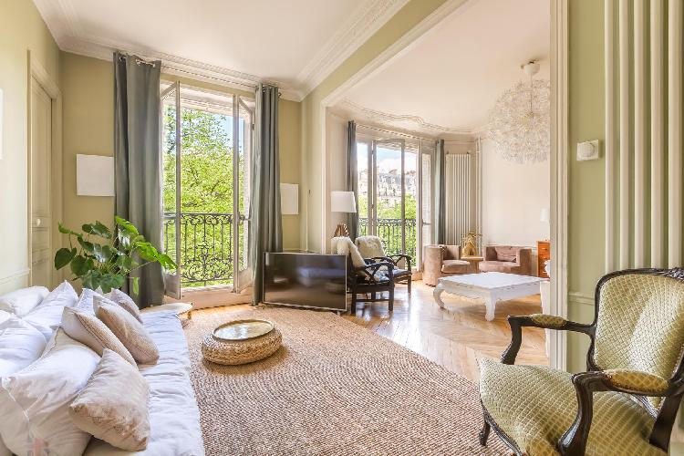 bright and breezy Bastille - Rue Charles Baudelaire II luxury apartment